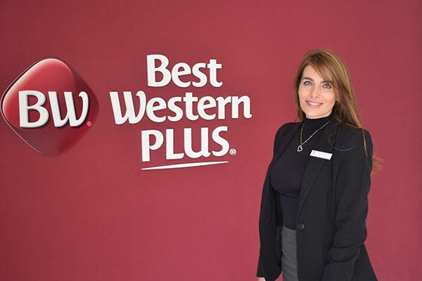 Best-Western-Plus-93-Park-Hotel-gerente-Juanita-Vasquez