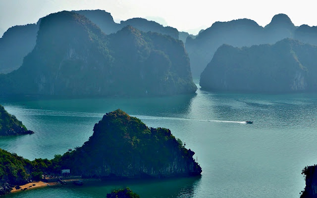 Kayaking through the beautiful Bai Tu Long Bay