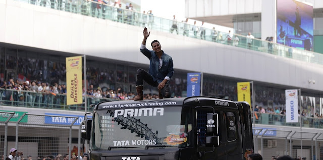 Bollywood star Akshay Kumar at 2017 Tata T1 Prima Truck Racing Championship India