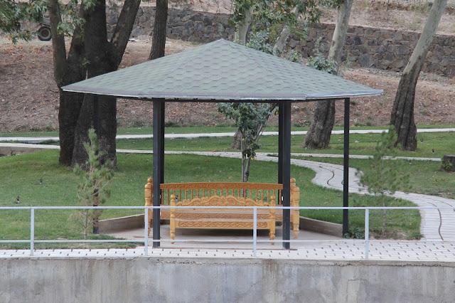 Tadjikistan, Dushanbe, Varzob, tapchane, tapshan, © L. Gigout, 2012
