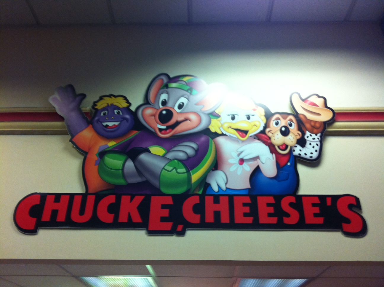The latest Chuck E Cheese's menu prices for you. Chuck E. Cheese's is a chain of family entertainment centers in the U.S. that offers wholesome family fun in an open environment.