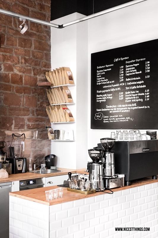 Nomad Heidelberg Café in der Weststadt mit Subway Tiles Theke