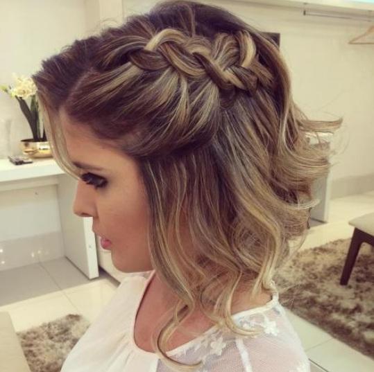 Schulterlange Haare Frisuren Flechten Helle Haarfarbe 2019