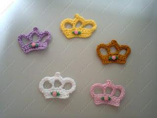 coroa,coroa crochê,lembrancinha coroa,lembrancinha coroa crochê, lembrancinha ímã geladeira, ímã geladeira coroa,ímã geladeira coroa crochê,lembrancinha princesa, festa princesas,lembrancinha príncipe,