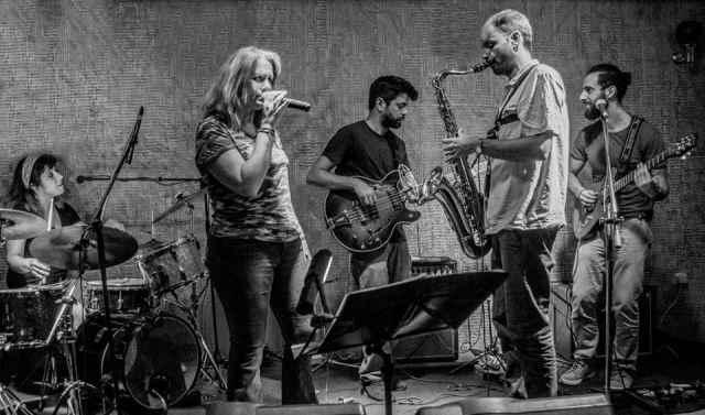 "THE LAZYTRAINS: Δείτε το νέο τους video για το κομμάτι ""The sound of the blues"""