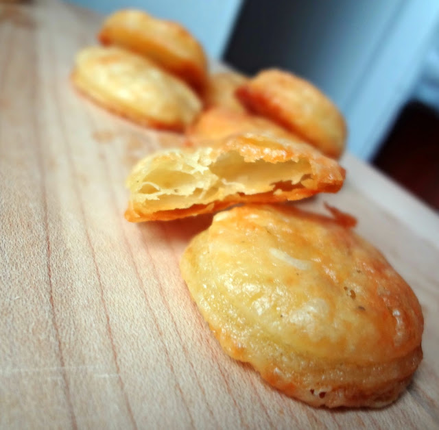 Homemade Cheddar Cheese Crackers (Cheez-Its)