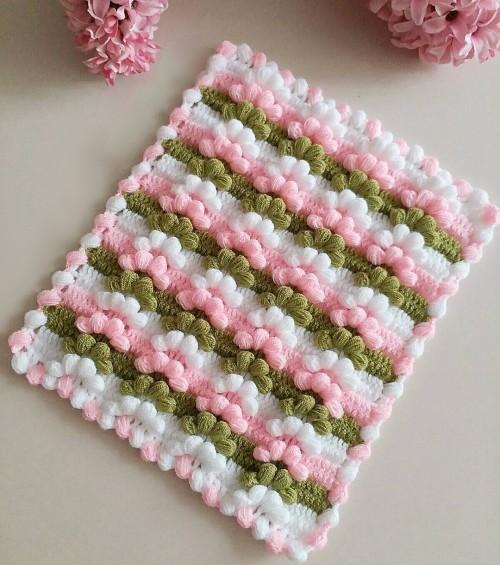 Tiny Crochet Blanket - Tutorial