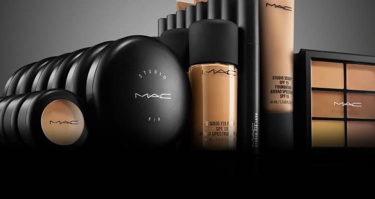 Terminy przydatności do użycia kosmetyków kolorowych stosowanych do wykonywania makijażu