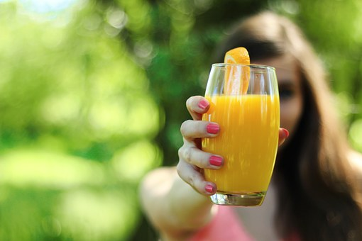 benefits of orange juice for skin,  orange juice benefits and side effects,  orange juice benefits for hair,  benefits of orange juice in hindi,  benefits of drinking orange juice empty stomach,  benefits of orange juice during pregnancy,  fresh orange juice nutrition,  orange juice calories,