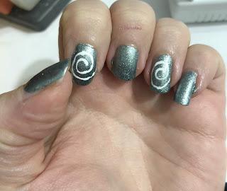 spirals_nail_art