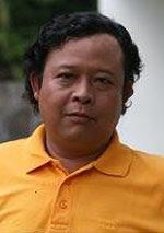 Biodata Yadi Timo berperan sebagai Supir Ayah Adrian