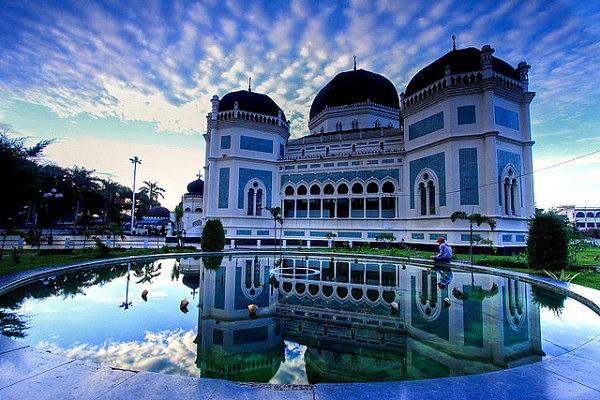 Masjid Raya Al-Mashun tempat wisata di medan