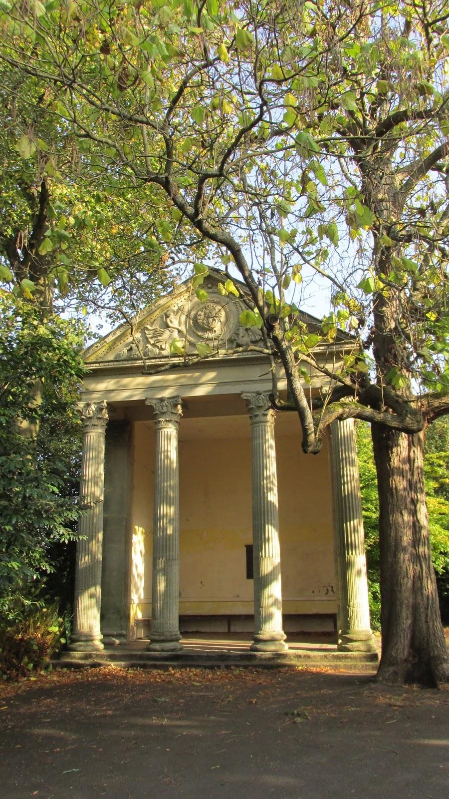crimson kettle: Holburne Museum and Sydney Gardens