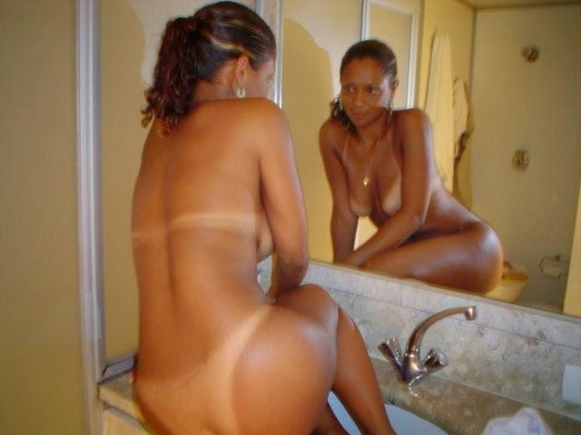 Sexy naked latina sucking