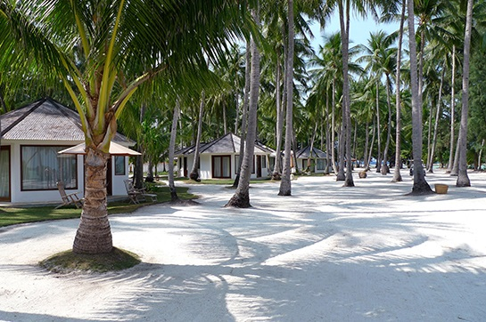 pantai di kura kura resort karimunjawa