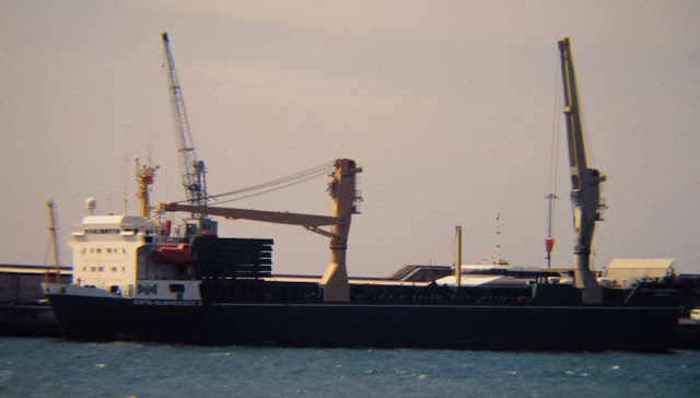 """old photo: the """"Pátria"""" catamaran was so safe that it even came to a """"dry dock"""""""