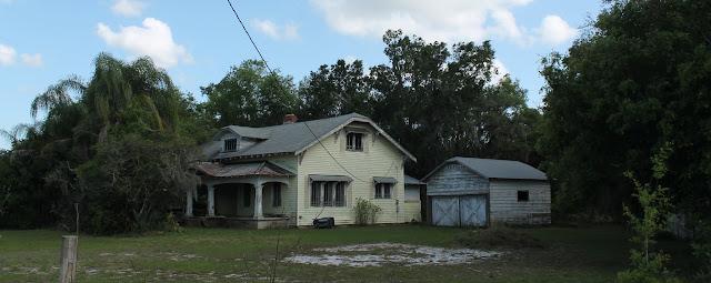 Casa abandonada en Loughman