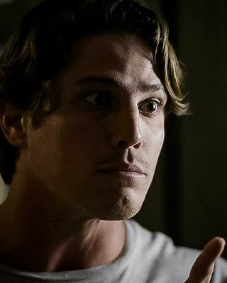 Rui (Romulo Arantes Neto) dá a entender que vai atentar contra a vida de Filipe (Pedro Novaes) em 'Malhação - Toda Forma de Amar'