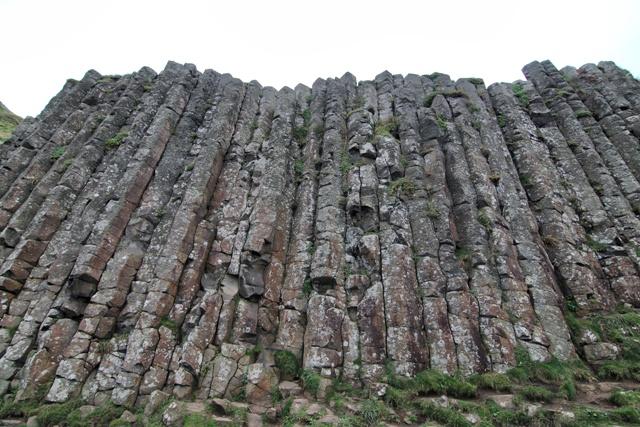 Columnas basalticas en la Calzada del Gigante