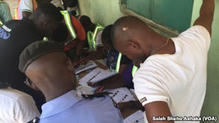 Labaran chikin kasa Nigeria ::::  EFCC Ta Kama Masu Sayen Kuri'a A Jihar Gombe