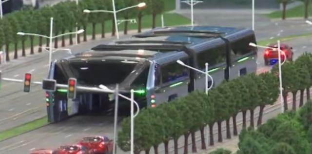 El nuevo transporte público chino podrá con 1400 pasajeros