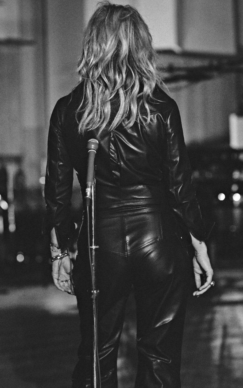 Kate Moss dans le clip The Wonder of You d'Elvis Presley