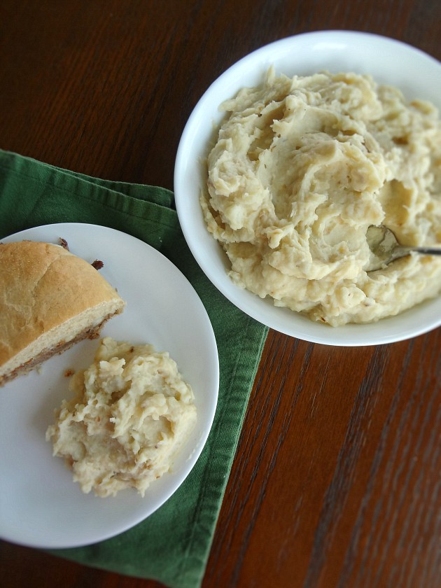 Roasted Garlic and Caramelized Onion Mashed Potatoes