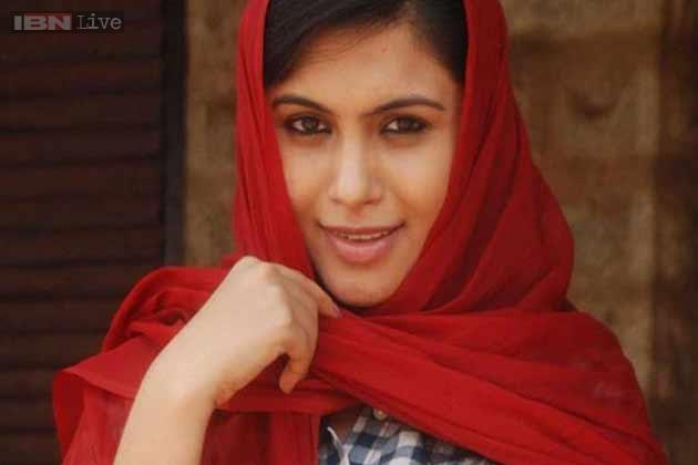 Sonu Gowda  Actress photos in Half Mentlu Kannada film