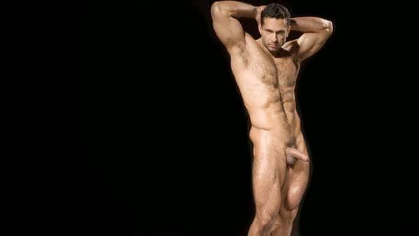 привели первого смотреть онлайн фото красивых голых мужчин наше время можно
