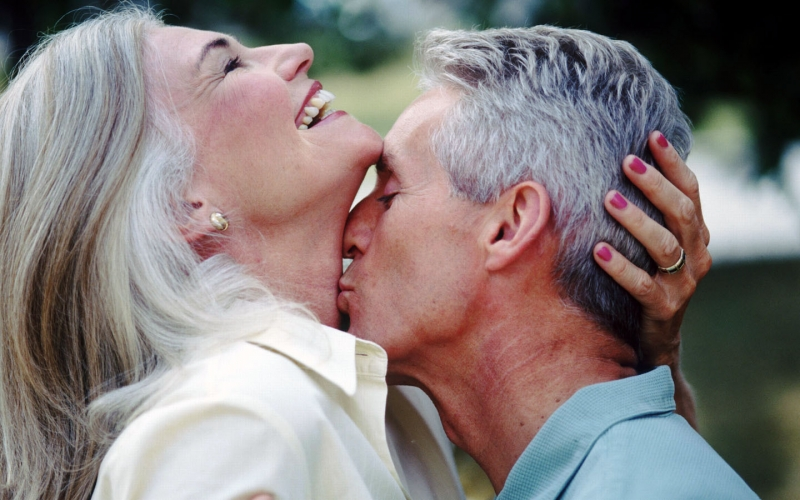 Sexy Older Women Kissing 89