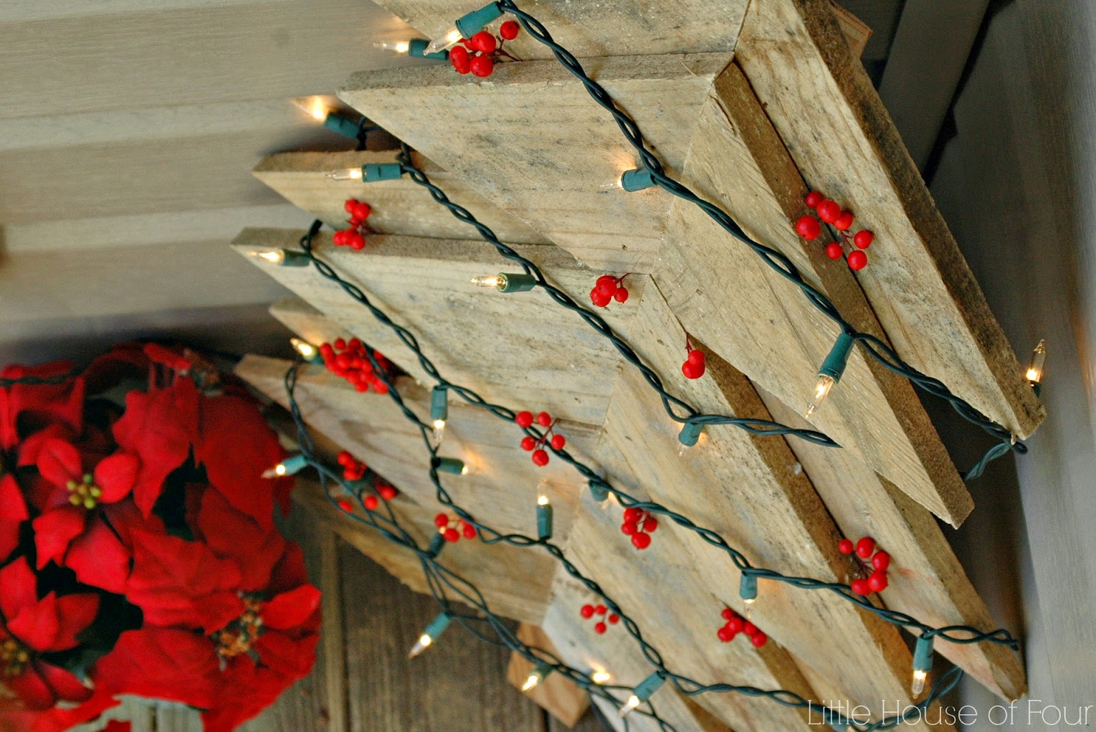 rustic pallet tree with lights