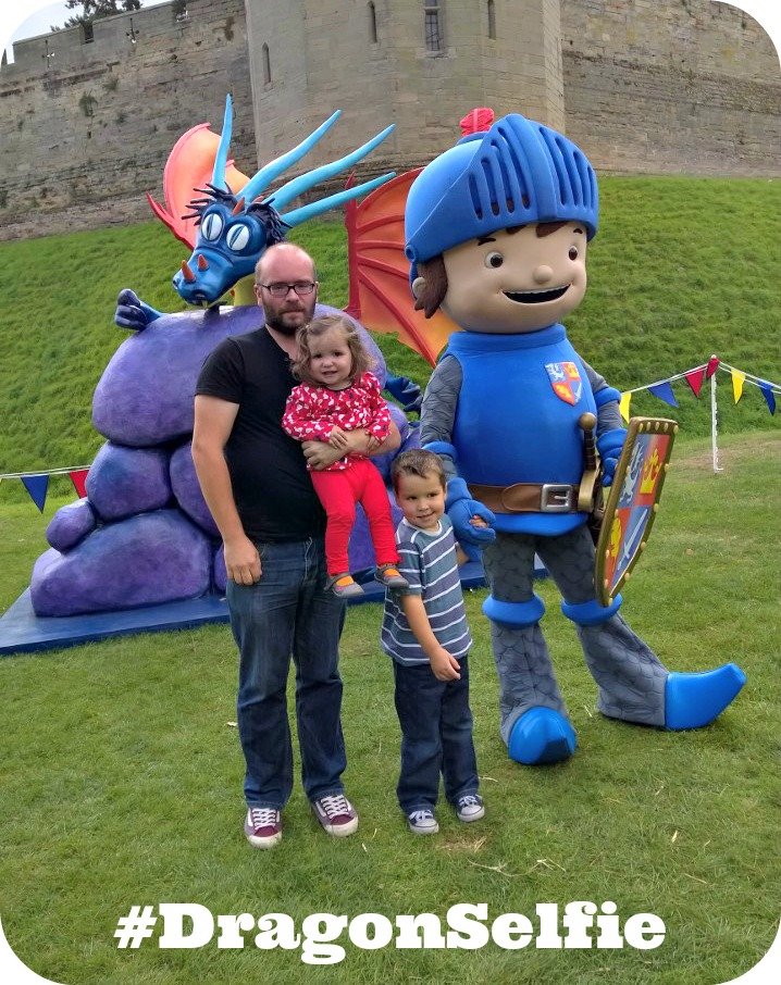 Mike the Knight #DragonSelfie at Warwick Castle
