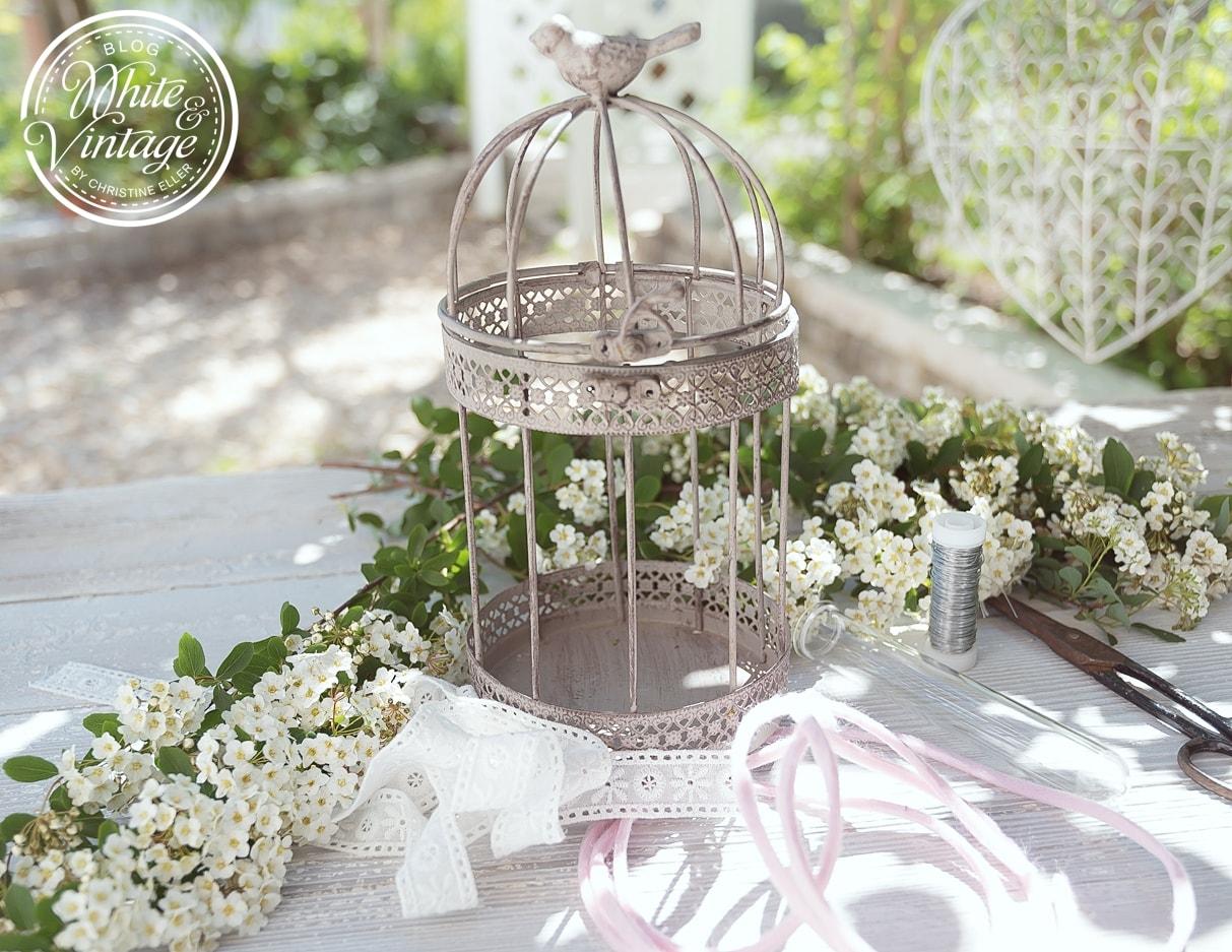 White and vintage for Hochzeitsdeko vintage