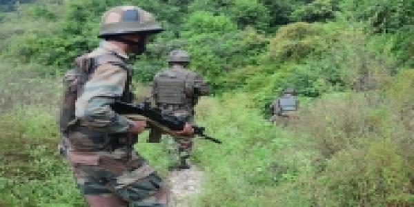 Jammu-evam-kashmir-muthbhed-me-2-aatankvaadi-dher