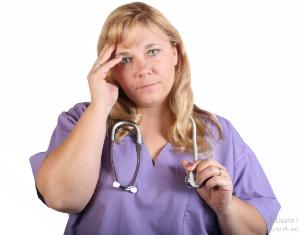 Mitos 5. Perawat adalah pelayan di sana untuk menunggu pasien.
