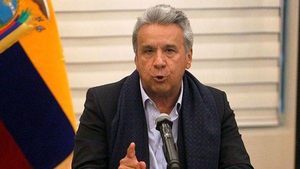 Gobierno de Ecuador reduce gasto público y aumenta costo de gasolina