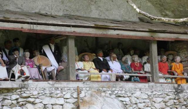 Tau-tau Toraja