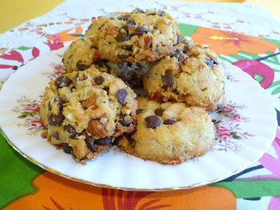 Splendid Low Carbing Chunky Monkey Chocolate Chip Cookies