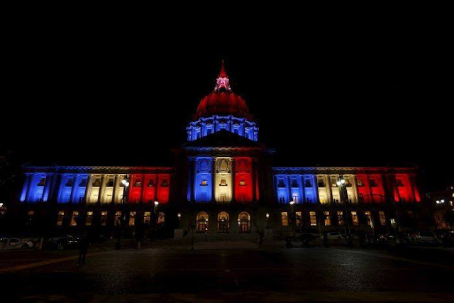 Pray for Paris 03 L'hôtel de ville de San Francisco