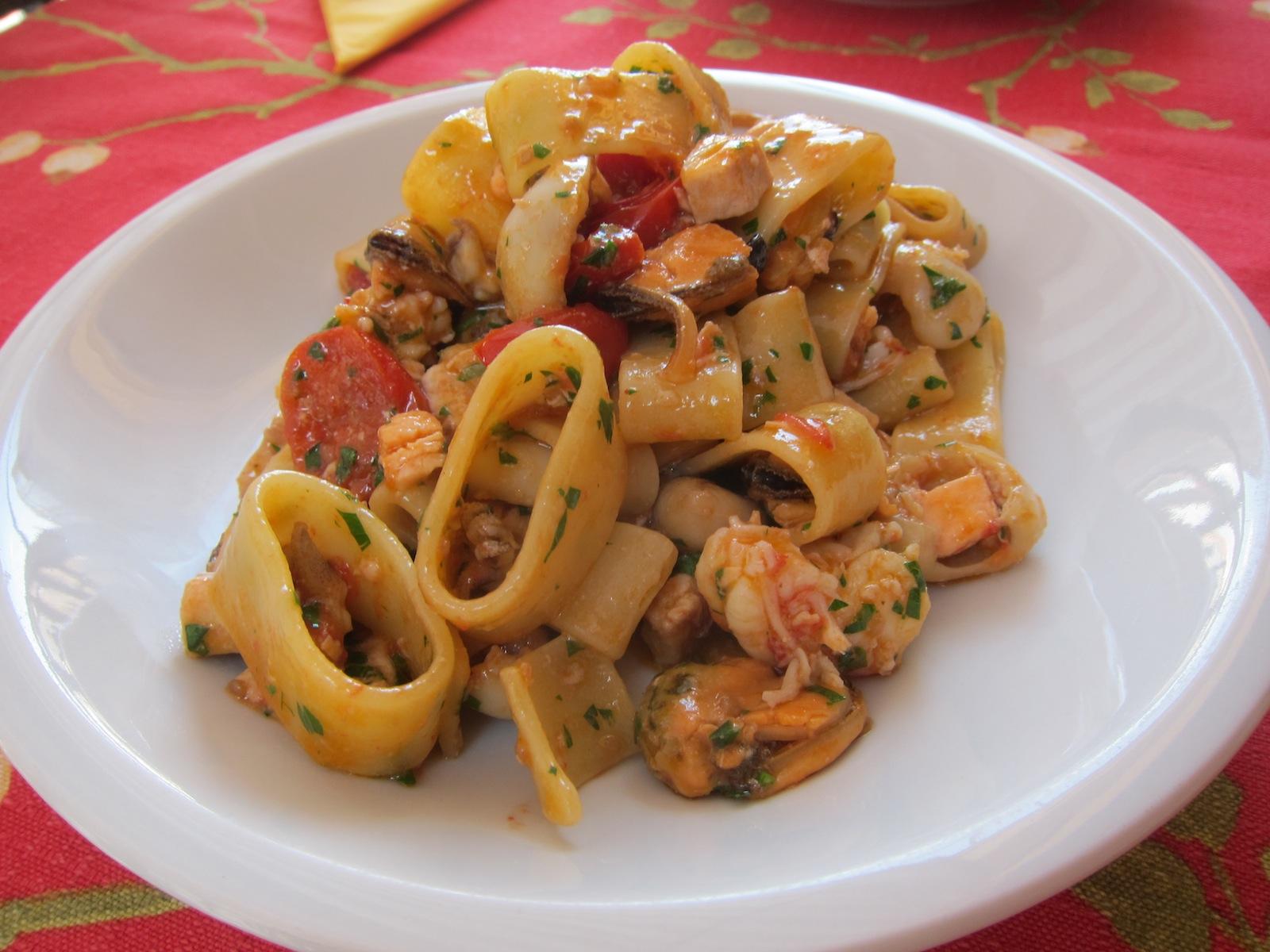 Lezioni di pesce calamarata allo scoglio for Primi piatti di pasta