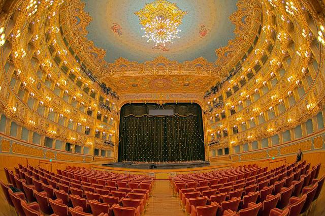 224 let benátského divadla La Fenice