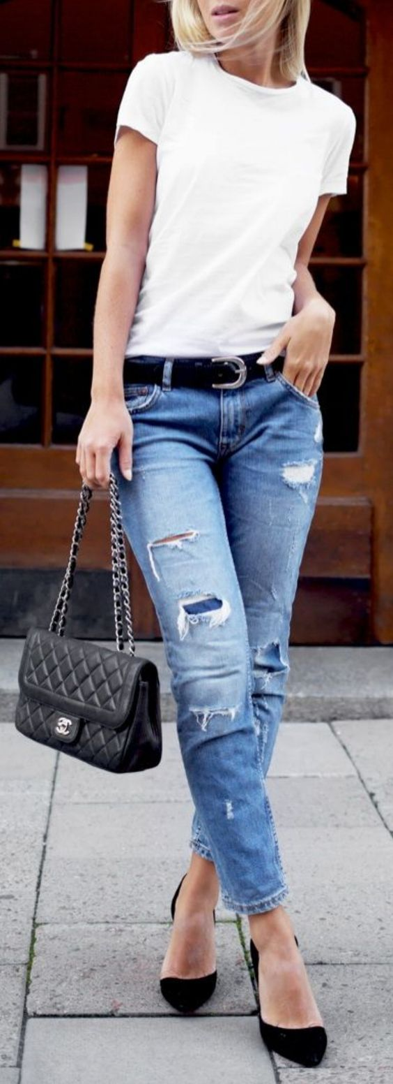 casual style addict / t-shirt + bag + heels + ripped jeans