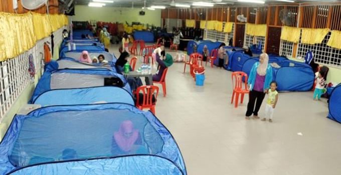 Bantuan RM1000 Untuk Mangsa Banjir Terengganu