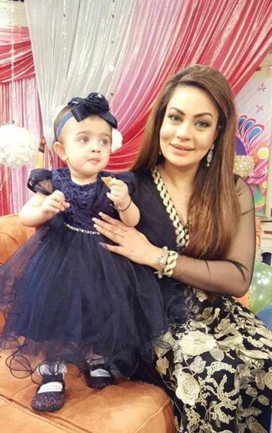 Sadia Imam with her daughter