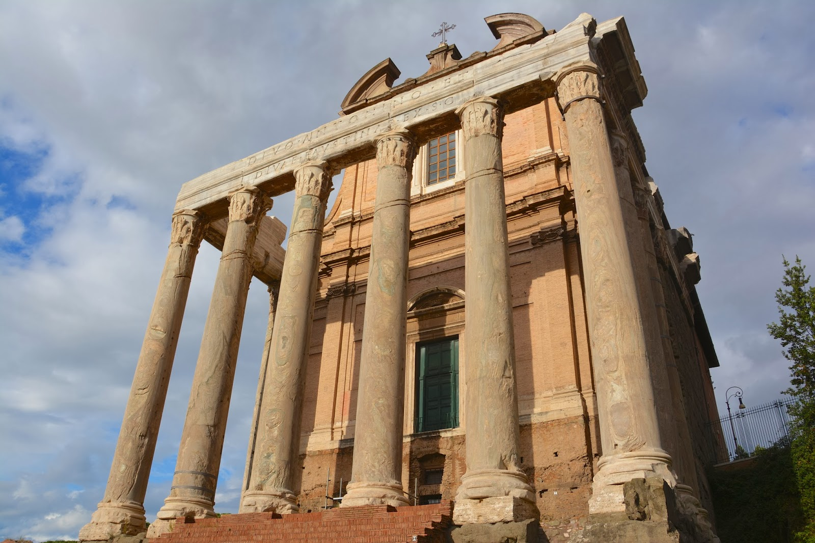 roman empire government building