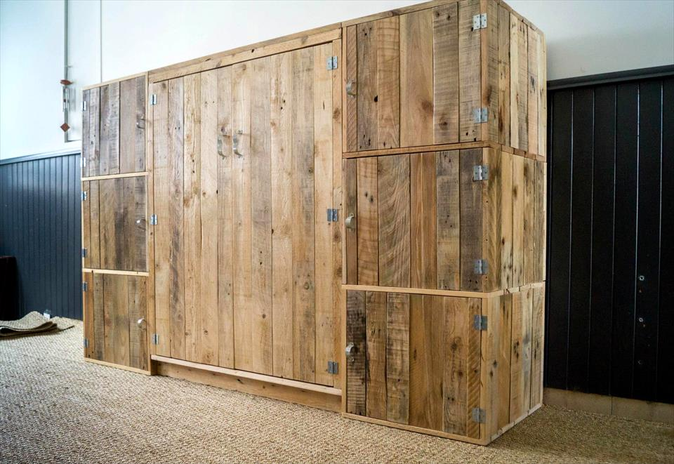 Build A Dressing Room With Pallets For Free Do It