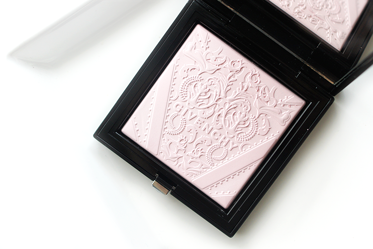 givenchy-poudre-lumiere-originelle-review-best-subtle-highlighter