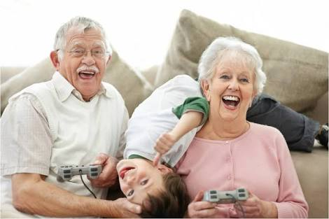 Cuidar de idosos.