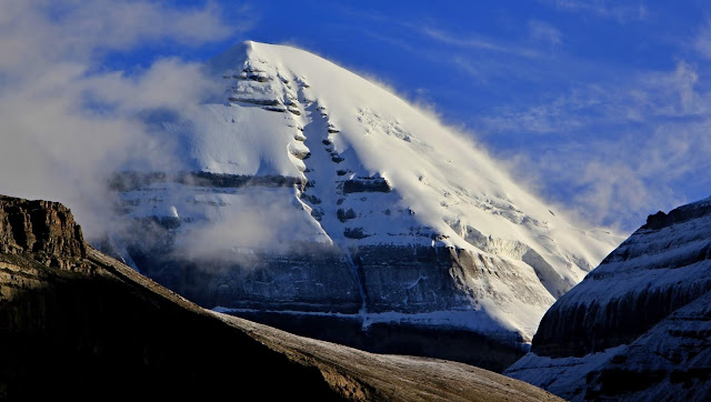 Mysteries of Mount Kailash in Tibet : The Land of Snows