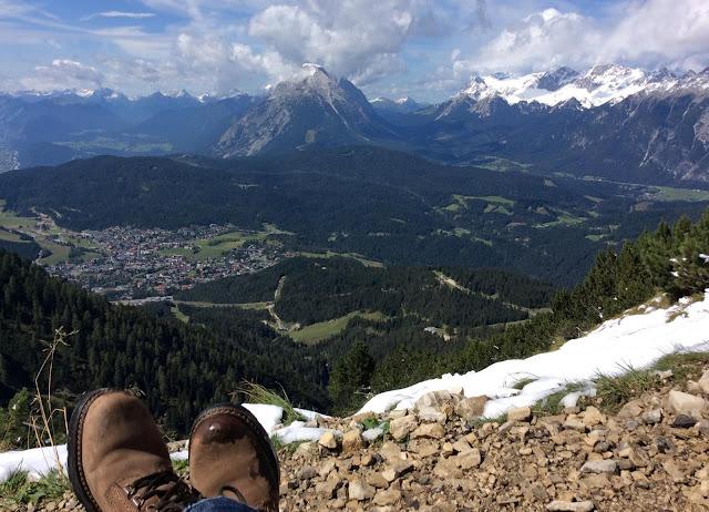 山脈を望む写真